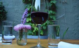 喝红葡萄酒真的健康吗?