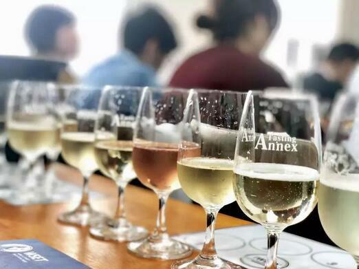 德斯汀安 ·上海 | 4月5-7日,WSET第二级葡萄酒与烈酒认证课程火热报名中!