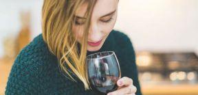 如何像专家一样品酒?