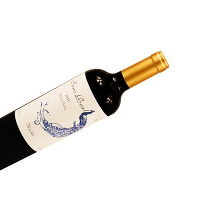 蓝孔雀优级梅洛干红葡萄酒