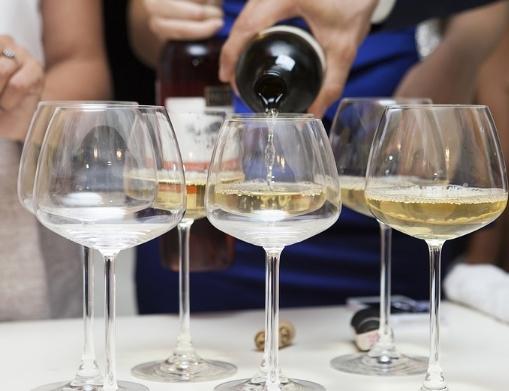 厌倦了灰比诺葡萄酒:为什么不试试别的呢?