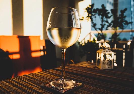 到2022年,白葡萄酒市场将创造新的机遇