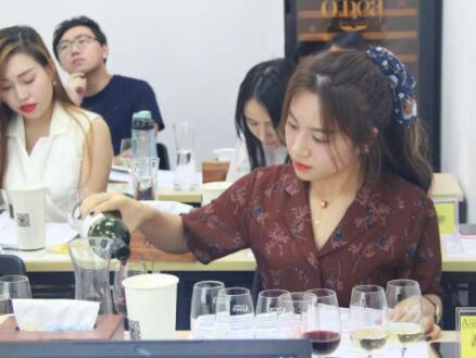 德斯汀安 ·北京| 12月21日,IWEC国际初级葡萄酒品酒师认证课程报名进行时!