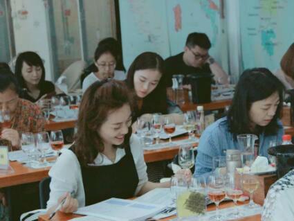 德斯汀安 ·成都| 12月22日,IWEC国际初级葡萄酒品酒师认证课程报名进行时!