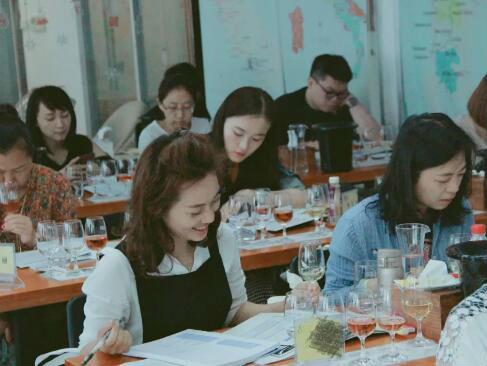 德斯汀安 ·北京 | 02月14-16日,WSET第二级葡萄酒认证课程开课啦 !
