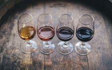 从外观来鉴别葡萄酒我们了解多少呢?