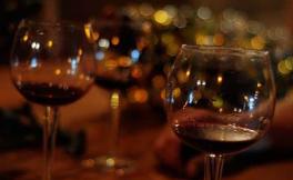 美国酒庄向疫区捐赠口罩