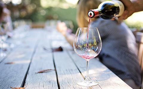 把酒精对身体伤害降到最低应该怎么做?
