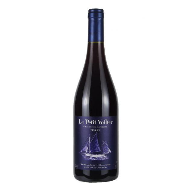 法国南部小帆船红葡萄酒红酒