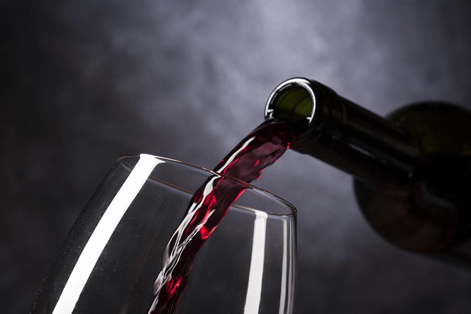 敬葡萄酒的礼仪,你懂吗?