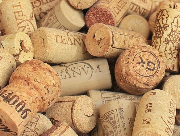 应该如何从瓶塞看葡萄酒的品质?