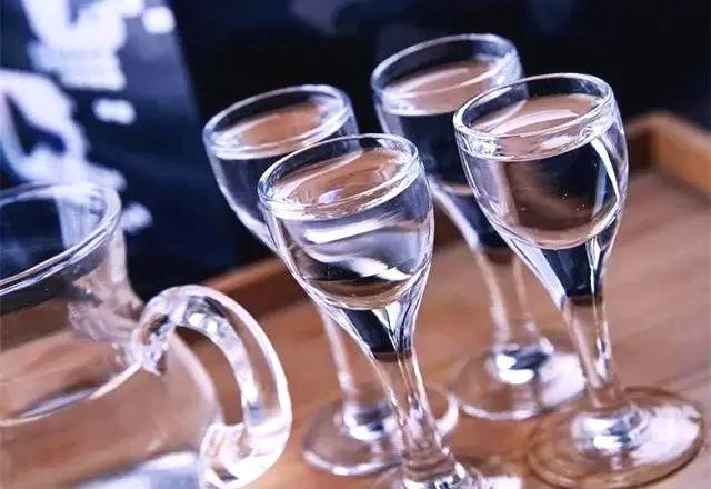 掌握4个环节就可以安全放心选购白酒